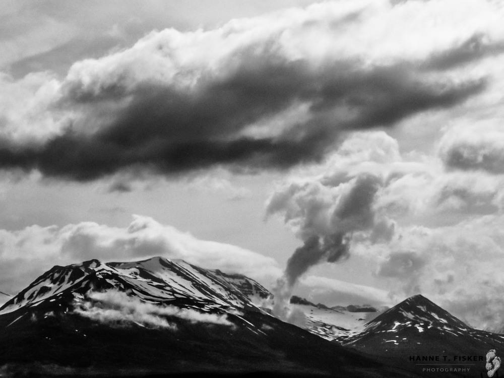 Smoking Mountain wp (1 of 1)